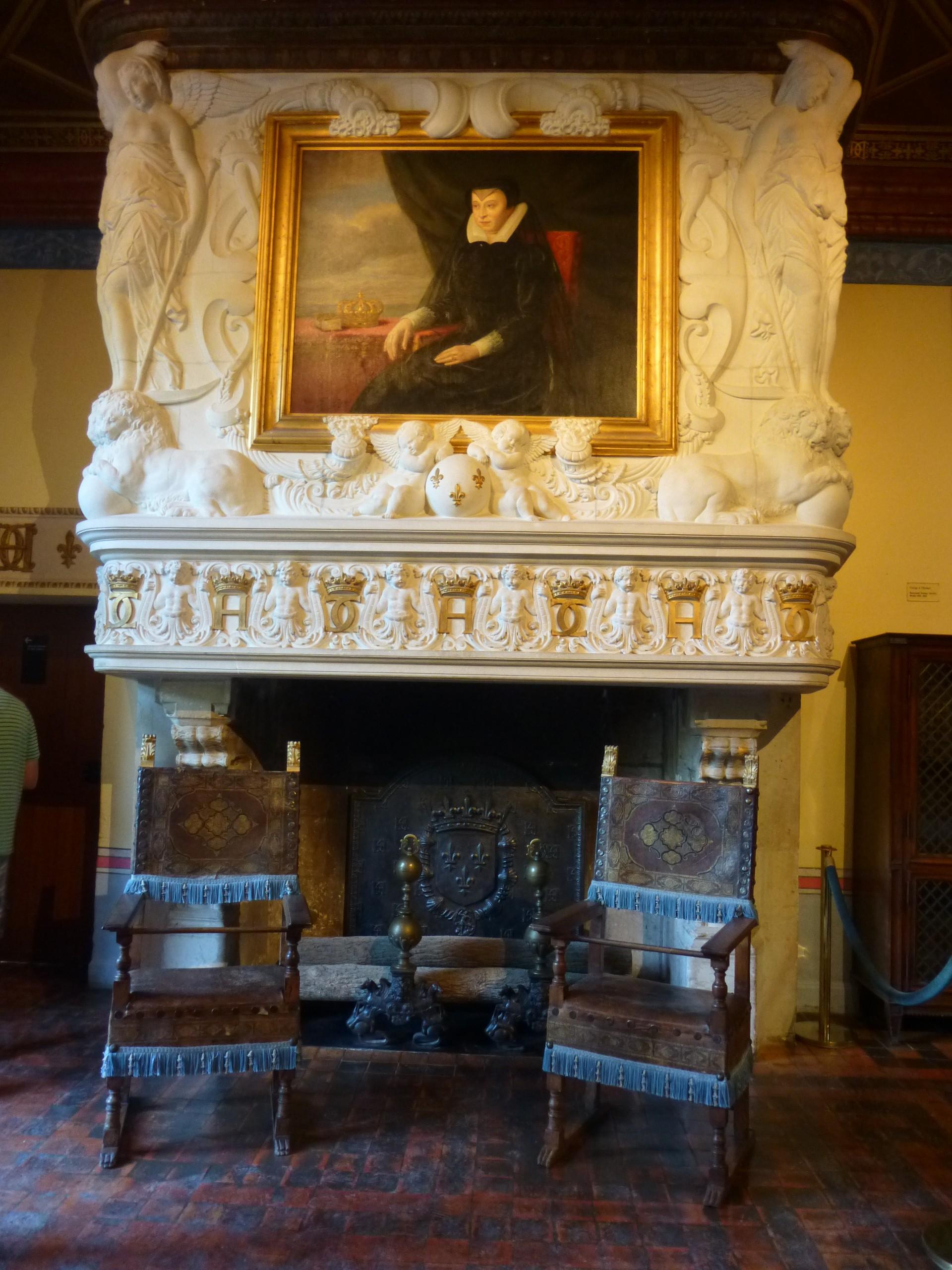 cette pice fut la chambre de la favorite du roi henri ii laquelle il avait fait don de chenonceau a la mort dhenri ii en 1559 tu par un combat - Chateau De Chenonceau Mariage