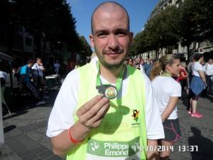 David et sa médaille du 10 km