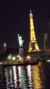 Avec la Statue de la Liberté